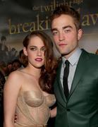http://img204.imagevenue.com/loc202/th_911708802_The_Twilight_Saga_Breaking_Dawn_Part_2_LA_Premiere8_122_202lo.jpg